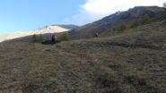 salendo i primi pendii erbosi del Vallone Clapiera