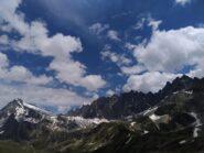 La cresta sopra il Lago dell'Inclusa, con l'Arete du Dard, il Mont Rion, il Trident de Faudery, ecc