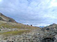 Il pianoro sotto il Colle di Laures, prima della risalita a sinistra al Col di Arbolle