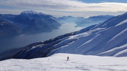 A quota 1700 guardano verso Sud: il Grignone e il ramo lecchese del lago di Como