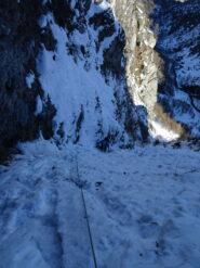 Tra ghiaccio e neve ripida dopo il primo terzo di salita