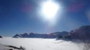 Appena sbucati dalla nebbia, colpo d'occhio su Punta dell'Omo e Monte Borel