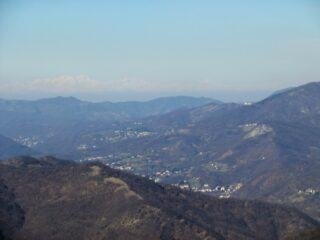 Verso le lontane Alpi valdostane