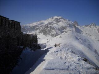 forte a sx Salauta al centro e rocca dell'Abisso in alto