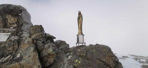 la madonnina di vetta del Monte Reixa