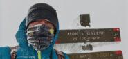 vento forte e freddo intenso in vetta al Monte Galero
