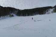 sotto il rifugio pochi cm di neve fresca su fondo duro