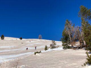 risalita dopo il bosco, dagli chalet des Acles al Col des Acles