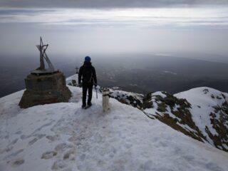 In cima, anche un cane alpinista ci ha seguiti...