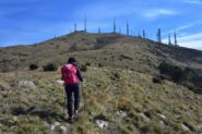 Salendo verso la vetta del monte Fasce
