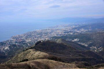 Genova e la dorsale di salita al monte Fasce