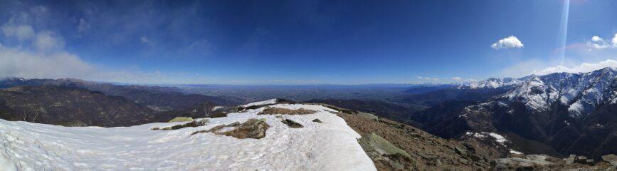 Panorama dalla cima verso est