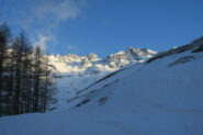 le splendide montagne che contornano la conca di By