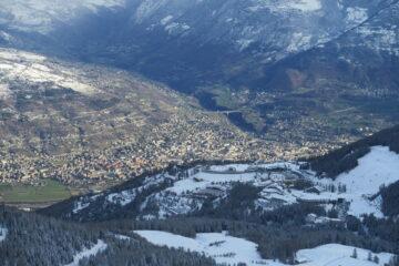 uno sguardo verso Aosta e Pila