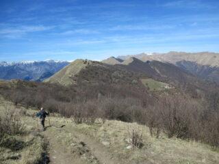 Il crinale verso il Monte Monega dal Monte Grande