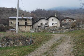 Le case di Triet, poco dopo la partenza