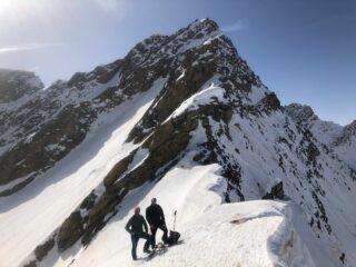 il colle con il Mont Tapie alle spalle