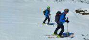 Enzo e Fulvio  sulla bella piana appena sciata,poco prima dell' alpe Boron