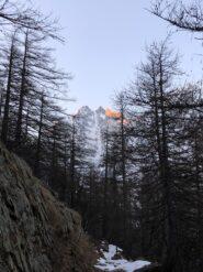 Il canalone di Lourousa dal sentiero per il rifugio Morelli