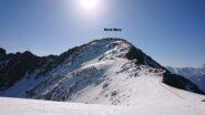 La vetta e la cresta da salire dal colle di Vioù