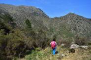 Il monte Rama e il Bric Camulà dal sentiero di discesa