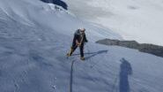 Maria Carla a metà della rampa-canale per il Colle del Tournelon Blanc