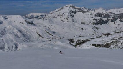discesa dalla C. Brignola verso la Val Ellero