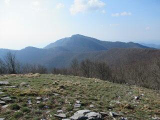 Monte Carmo (m.1389) dal Bric Agnellino (m.1343)