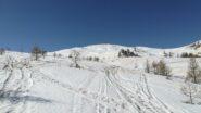 pendii nord con neve ma creste pelate