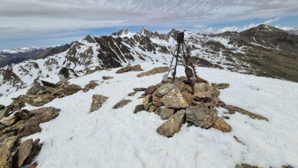 l'ampia cima della Rocca Negra