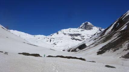 Pianoro iniziale al cospetto della Gran Becca du Mont