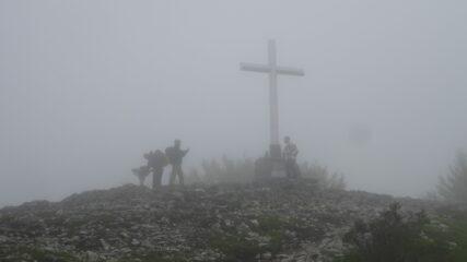 Vetta nella nebbia