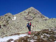 prima neve all'inizio del tratto su pietraia