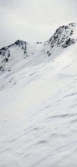 Il pendio ripido per arrivare all'Aiguillette (evidente alla destra della cima). Oggi in gran condizione