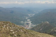 Dalla vetta, bella visuale sulla media Val Tanaro e la cittadina di Garessio.