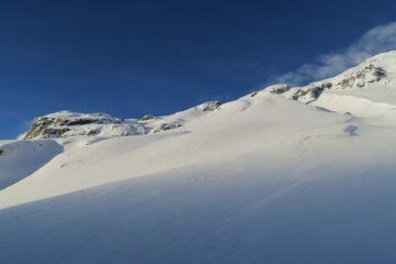 neve appena ventata solo in basso