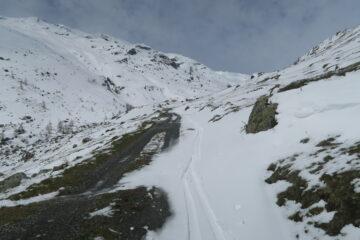 sfruttato la  neve fresca fino ad un paio di centinaia di metri dall'auto