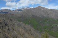 La Rocca Moross con la Torre d'Ovarda sullo sfondo