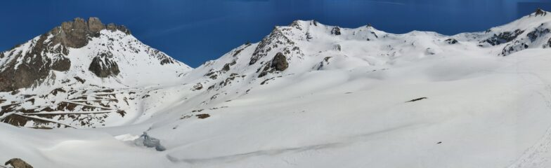 Panoramica sull'itinerario di discesa (Rognosa d'Etiache e Punta Sommeiller)