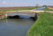 Il Ponte Piorito, sul Navillotto di Saluggia, nelle terre solcate dal Lamporasso