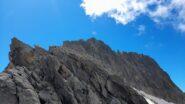 La cresta da percorrere con la cima al centro