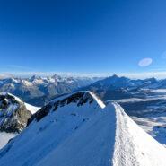 Panorama verso la Svizzera dalla cima del Castore