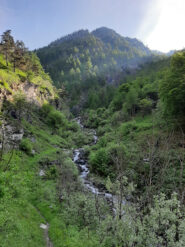 Laggiù il ponticello sul rio Rocciamelone