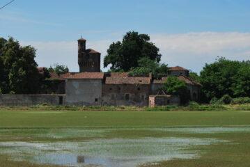 Il Castello di Albano visto dall'argine