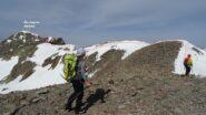 Dall'anticima ci dirigiamo in cresta verso il Piz Lagrev ancora un po' lontano.