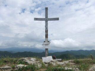 Croce di vetta dell' Alpesisa