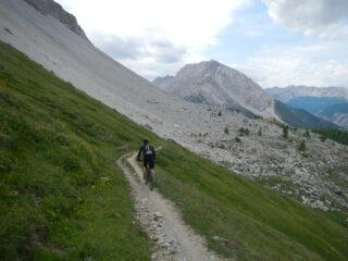 discesa verso il Col des Acles