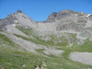 dal colle: vista ravvicinata su Rocca Tre Vescovi e Monte Enchastraye