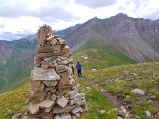 il grande cippo sulla cresta verso il Colle Piconiera