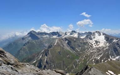 Dalla cima vista sul gruppo Pelvo d'Elva-Marchisa-Faraut
